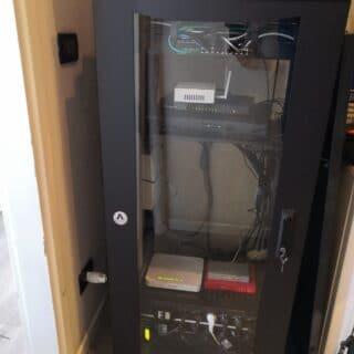 https://www.jumpcomputer.it/wp-content/uploads/armadio-rack-nuova-milano-2-riorganizzato-1-320x320.jpeg